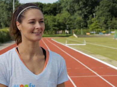 Atletiek oefeningen met Remona Fransen